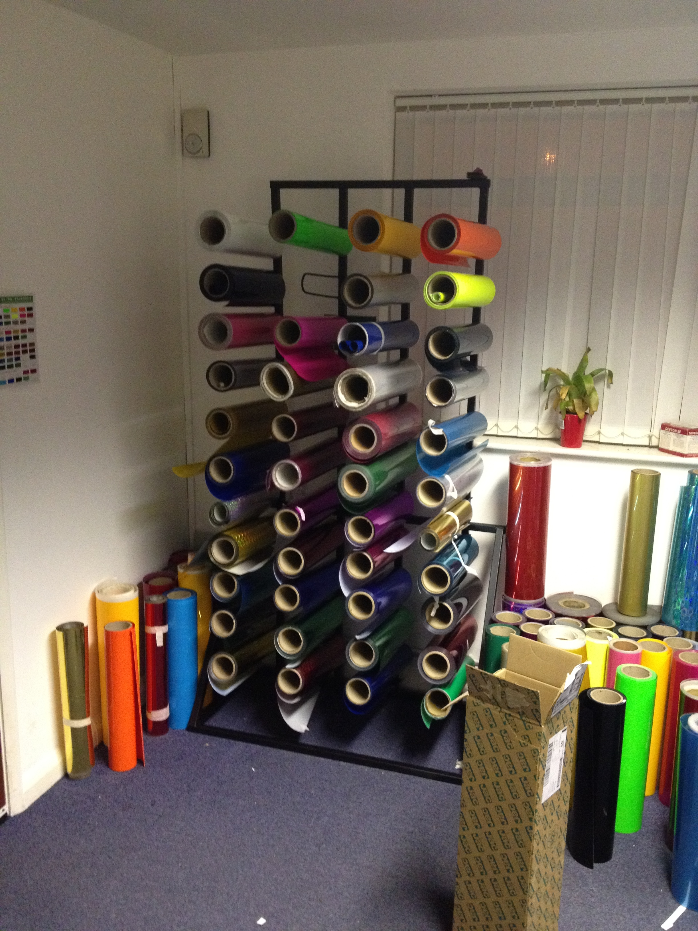 12 Roll 2m Vinyl Stand Uk Display Stands